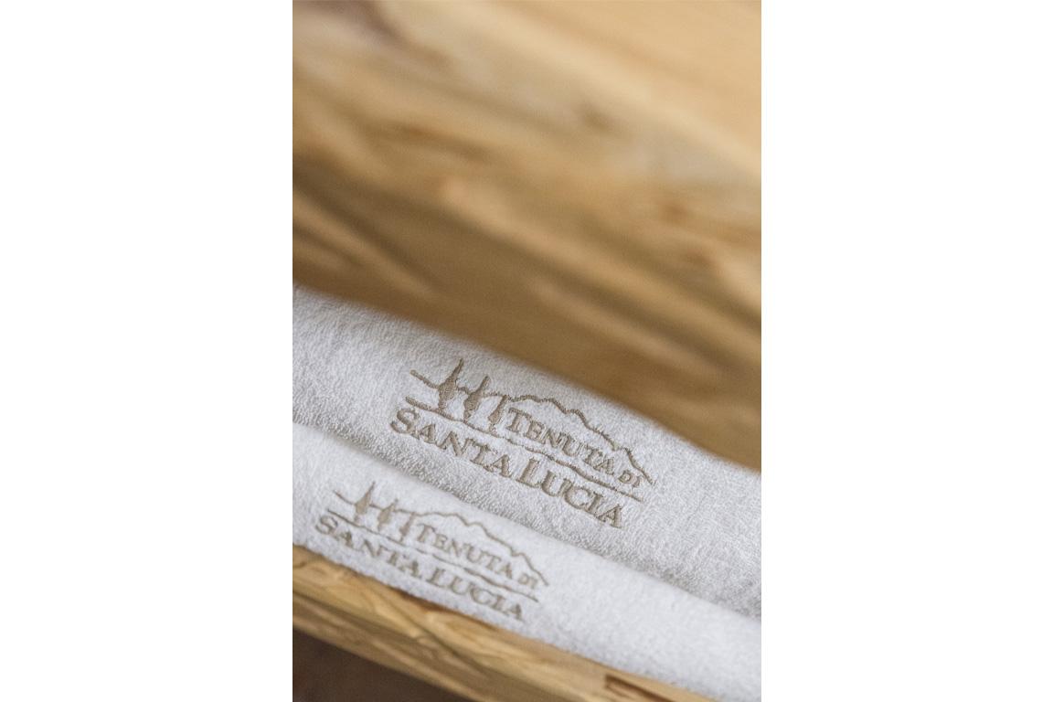 asciugamano tenuta santa lucia